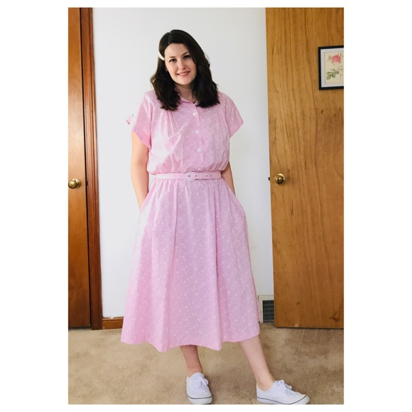 Vintage Dresses & Skirts - Vintage Eyelet Print Pink Waitress Style Dress